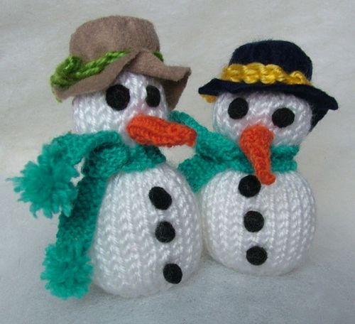 Knitted Snowman Pattern Free : Free patterns: Tiny snowmen