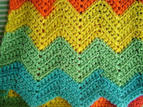 Crochet Scarf Patterns Zigzag : zigzag scarf this easy crochet pattern can be adapted to make a scarf ...